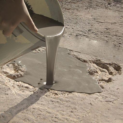 Watco Mortier Coulable pour la réparation rapide des nids de poule dans le béton